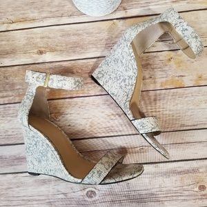 Ann Taylor's Emmy wedge